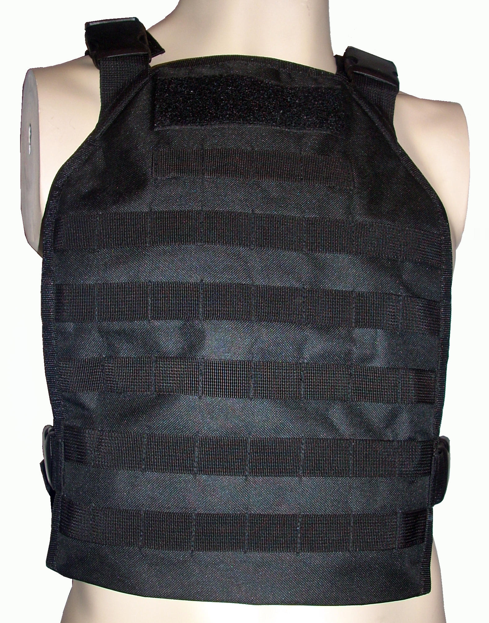 LW platecarrier black front